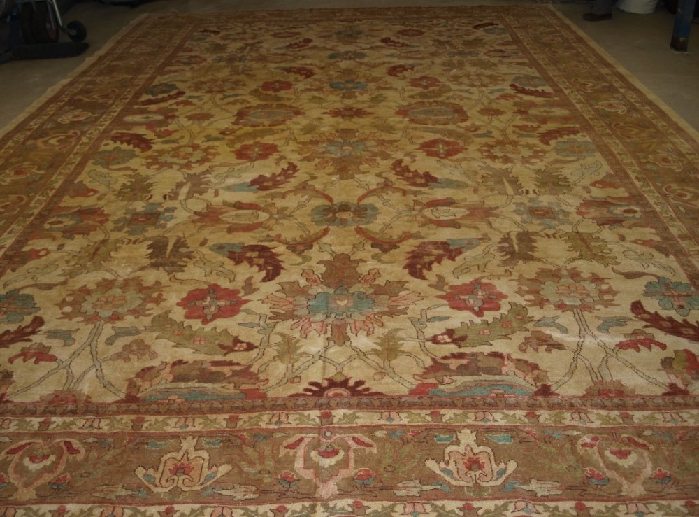 sultanabad carpet soft colours large size 19th century style