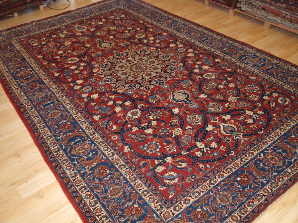 old persian isfahan rug classic design superb condition circa 1930