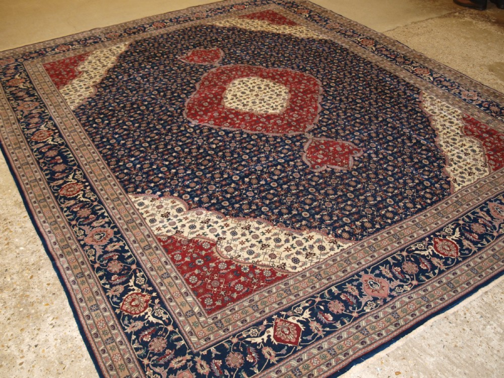 old tabriz carpet classic medallion design superb condition about 30 years old